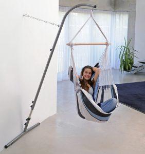 Amazonas Palau marine hang chair suspended from Palmera Rockstone stand.