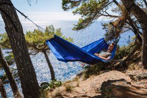 Amazonas Ultra-light Silk Traveller ocean hammock.