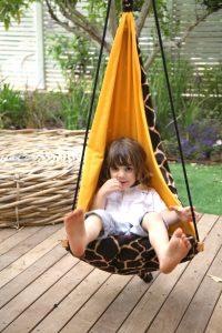 Amazonas Hang Mini giraffe kid's hang chair.
